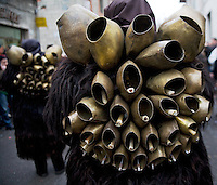Mamuthones is a solemn ceremonial, an orderly procession and dance at the same time. Mamuthone s dress an eavy bell complex on their harms and they sound by the dance movement.Mamoiada Italy