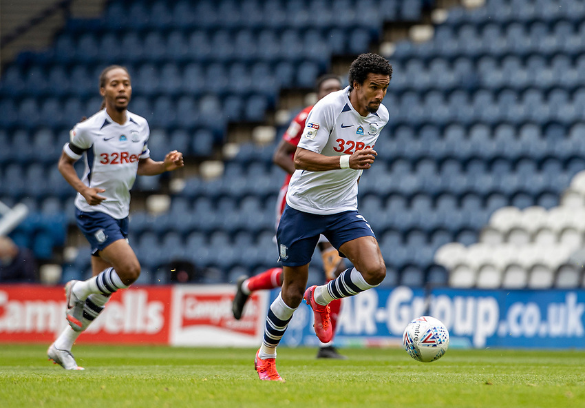 Preston North End's Scott Sinclair breaks<br /> <br /> Photographer Andrew Kearns/CameraSport<br /> <br /> The EFL Sky Bet Championship - Preston North End v Nottingham Forest - Saturday 11th July 2020 - Deepdale Stadium - Preston <br /> <br /> World Copyright © 2020 CameraSport. All rights reserved. 43 Linden Ave. Countesthorpe. Leicester. England. LE8 5PG - Tel: +44 (0) 116 277 4147 - admin@camerasport.com - www.camerasport.com