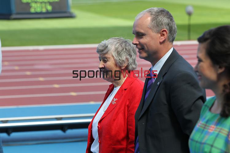 Glasgow 2014 Commonwealth Games<br /> Anne Ellis - Medal Ceremony<br /> Men's Discus<br /> <br /> 28.07.14<br /> ©Steve Pope-SPORTINGWALES
