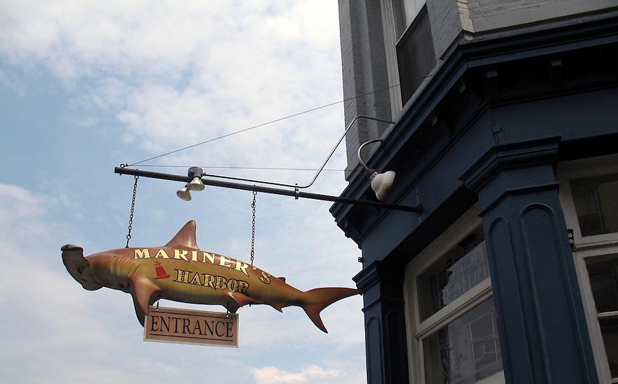 Mariner's Harbor Restaurant