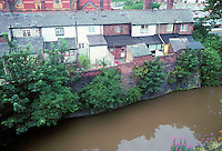 Chester: Shropshire Union Canal and Workers' houses. View from city wall.