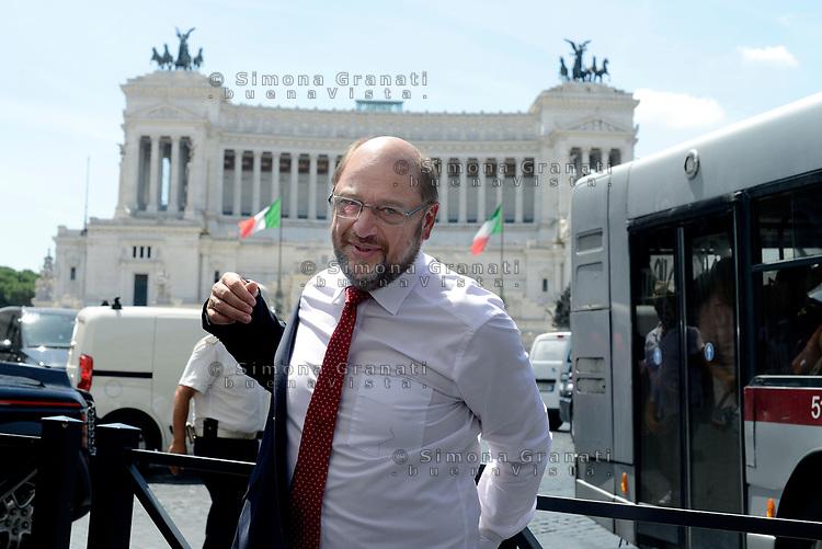 Roma, 27 Luglio 2017<br /> Il presidente del Partito socialdemocratico tedesco Martin Schulz fa una passeggiate prima dell'incontro con Paolo Gentiloni a Palazzo Chigi