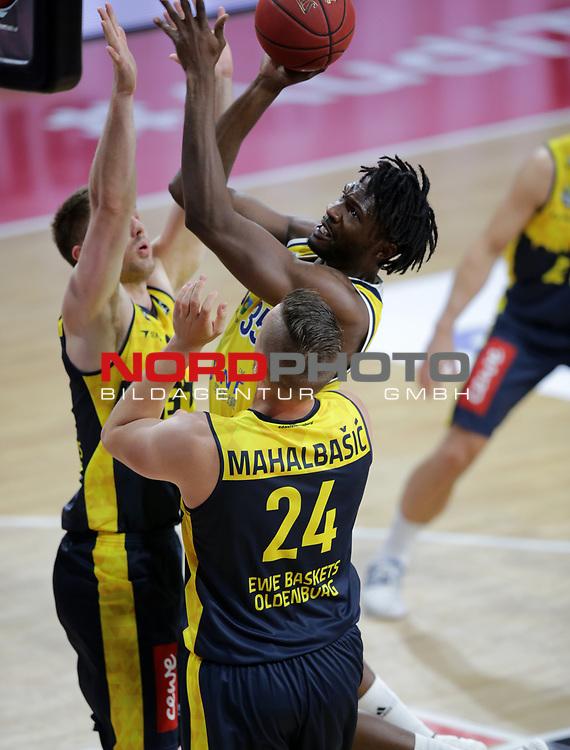 #35 Landry Nnoko von Alba Berlin   <br /> Basketball, nph0001 1.Bundesliga BBL-Finalturnier 2020.<br /> Halbfinale Spiel 2 am 24.06.2020.<br /> <br /> Alba Berlin vs EWE Baskets Oldenburg <br /> Audi Dome<br /> <br /> Foto: Christina Pahnke / sampics  / POOL / nordphoto<br /> <br /> National and international News-Agencies OUT - Editorial Use ONLY