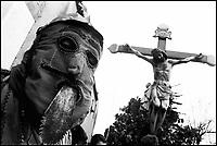 La Festa dei Giudei del Venerdì Santo. Un Giudeo col Cristo che verrà portato in processione.