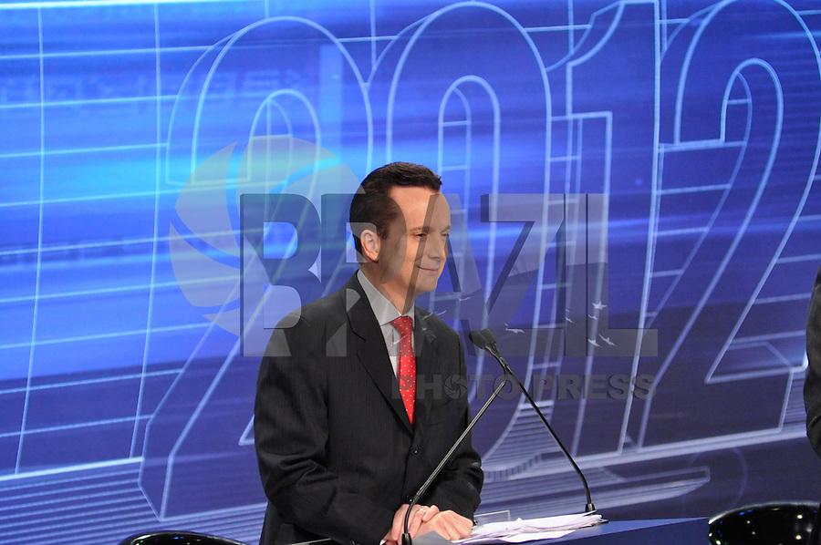 OSASCO, SP, 03 SETEMBRO DE 2012 – DEBATE REDETV – ATENÇÃO EDITOR: FOTO EMBARGADA PARA VEÍCULOS INTERNACIONAIS: Candidatos a prefeitura de São Paulo Celso Russomano durante debate realizado na noite desta segunda feira (03) pela RedeTV, na sede da emissora em Osasco. (FOTO: LEVI BIANCO / BRAZIL PHOTO PRESS).