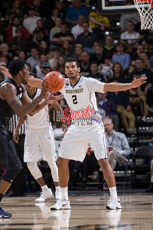 Devin Thomas (2) of the Wake Forest Demon Deacons on defense during first half action against the Xavier Musketeers at the LJVM Coliseum on December 22, 2015 in Winston-Salem, North Carolina.  The Musketeers defeated the Demon Deacons 78-70.  (Brian Westerholt/Sports On Film)