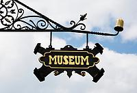 Nederland Zaandijk  2017 -   Museum uithangbord.    Foto Berlinda van Dam / Hollandse Hoogte