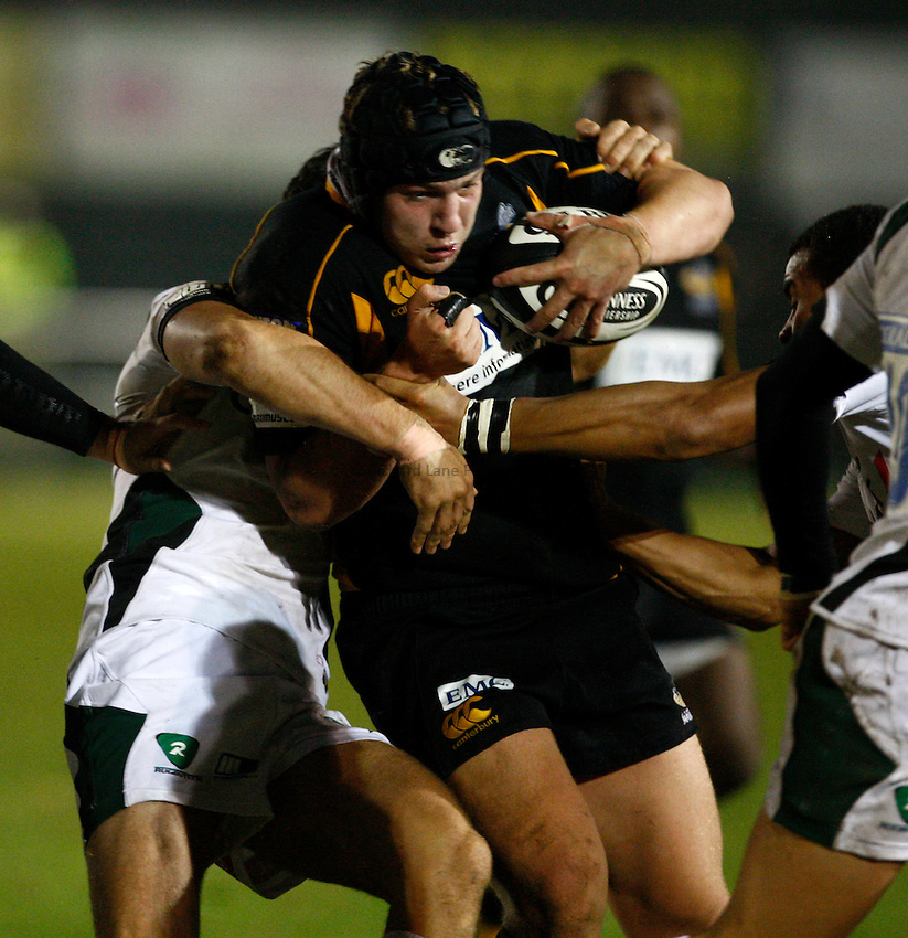 Photo: Richard Lane/Richard Lane Photography. London Wasps A v London Irish A. Guinness A League. 05/10/2009. Wasps' Bob Baker attacks.