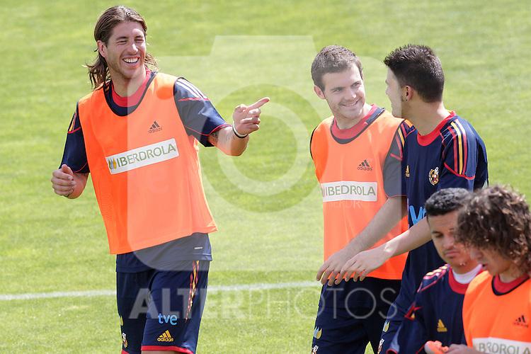 MADRID (25/05/09).- The Spanish Soccer national training session. Sergio Ramos, Mata and David Villa. ..PHOTO: Cesar Cebolla / ALFAQUI