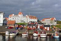 Hotels am Hafen von Sandvig auf der Insel Bornholm, D&auml;nemark, Europa<br /> Hotels at port of Sandvig, Isle of Bornholm, Denmark