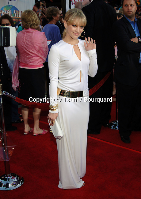 Hilary Duff arriving at the Perfect Man Premiere at the Universal Studio Theatre in Los Angeles. June, 13, 2005.