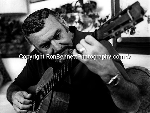 Frankie Laine born Francesco Paolo LoVecchio American singer songwriter and actor, A clarion-voiced singer 70 charted records 21 gold records originally rhythm and blues jazz then gospel folk country western and rock 'n roll, Mr Rhythm,