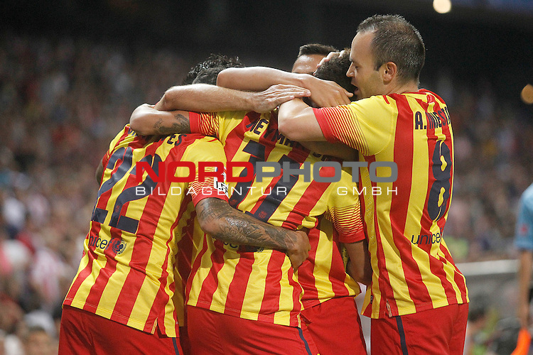 FC Barcelona's players celebrate goal during Supercup of Spain 1st match.August 21,2013. Foto © nph / Acero)