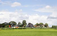 Nederland Westzaan. 2016. Weilanden en boederijen in Westzaan. Foto Berlinda van Dam / Hollandse Hoogte