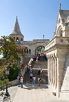 HUN, Ungarn, Budapest, Stadteil Buda, Burgviertel: Fischerbastei, beliebte Aussichtsterrasse und Wahrzeichen der Stadt | HUN, Hungary, Budapest, Castle District: Fisherman's Bastion, popular viewpoint and landmark