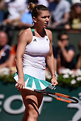 June 10th 2017, Roalnd Garros, paris, France. French Open tennis tournament, womens singles final, Jelena Ostapenko (lat) versus Simona Halep (Rom);  Simona Halep ( Roumanie )