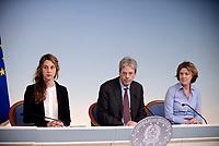 Roma, 19 Maggio 2017<br /> Marianna Madia, Paolo Gentiloni, Beatrice Lorenzin<br /> Conferenza stampa al termine del Consiglio dei Ministri su vaccinazione obbligatoria