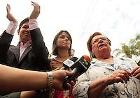 RIO DE JANEIRO, RJ, 23.09.2013 - COMITIVA VISITA INSTALÇÕES DO DOI CODI  rj - Randolfe Rodrigues (Psol-AP) (E) e a deputada Luiza Erundina junto com a Comitiva de parlamentares,  representantes da Comissão da Verdade e do Ministério Público visitam o prédio onde funcionou o DOI-Codi, o órgão funcionava em um prédio dentro do quartel da PE na Tijuca, nessa segunda 23. (Foto: Levy Ribeiro / Brazil Photo Press)