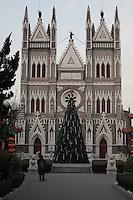 Facade de l'église du Nord, à Noël.