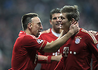 FUSSBALL   CHAMPIONS LEAGUE   SAISON 2011/2012     22.11.2011 FC Bayern Muenchen - FC Villarreal Jubel nach dem Tor zum 1:0 Franck Ribery, Toni Kroos (v. li., FC Bayern Muenchen)