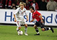 Fotball , 12. november 2005 , Play off , Norge - Tsjekkia 0-1<br /> Norway -  Czech Republic<br /> Pavel Nedved , Tsjekkia og Kristofer HÊstad , Norge<br /> Norvegia Repubblica Ceca 0-1<br /> Andata Playoff qualificazioni mondiali 2006<br /> Photo Digitalsport / Insidefoto<br /> ITALY ONLY