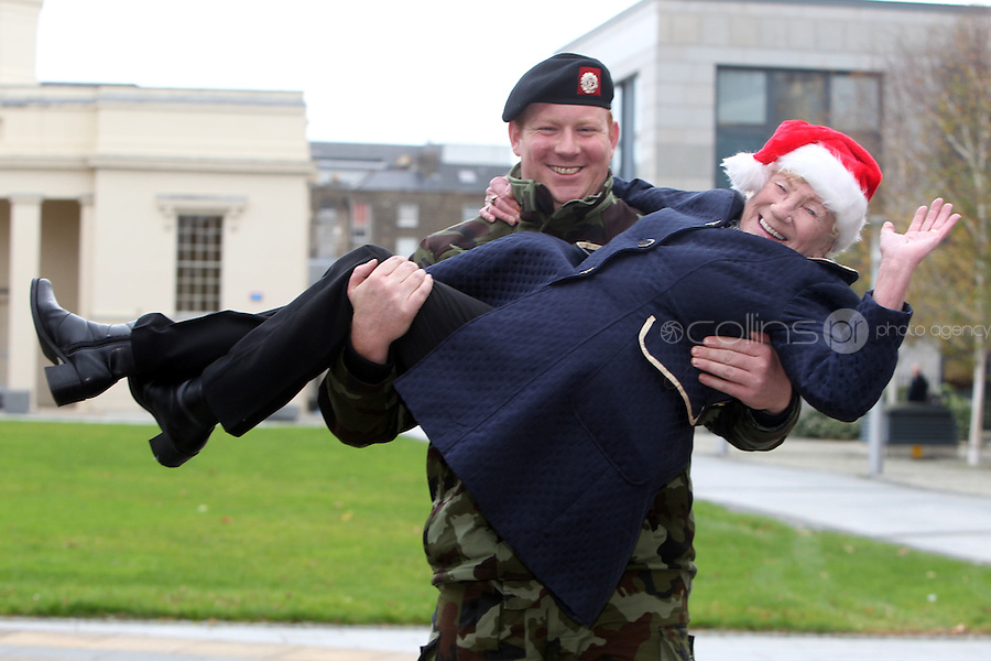 NO FEE PICTURES.30/11/11 Soldier Johnny Walker and Florence O'Neill who uses ALONE, at the launch of ALONE Christmas Campaign in Dublin. Pictures:Arthur Carron/Collins