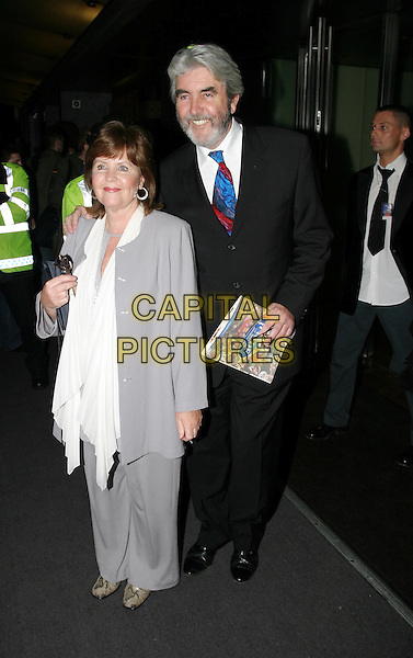 PAULINE COLLINS & JOHN ALDERTON.Daily Mirror's Pride Of Britain Awards at the London Hilton, Park Lane.15 March 2004.full length, full-length.www.capitalpictures.com.sales@capitalpictures.com.© Capital Pictures.