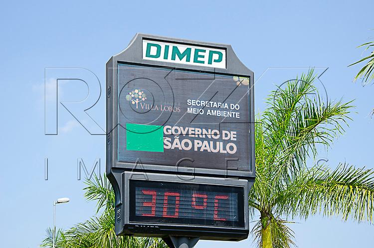 Termômetro digital do Parque Villa Lobos, São Paulo - SP, 10/2016.