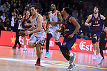 Turkish Airlines Euroleague 2017/2018.<br /> Regular Season - Round 8.<br /> FC Barcelona Lassa vs Valencia Basket: 89-71.<br /> Sam Van Rossom vs Phil Pressey.