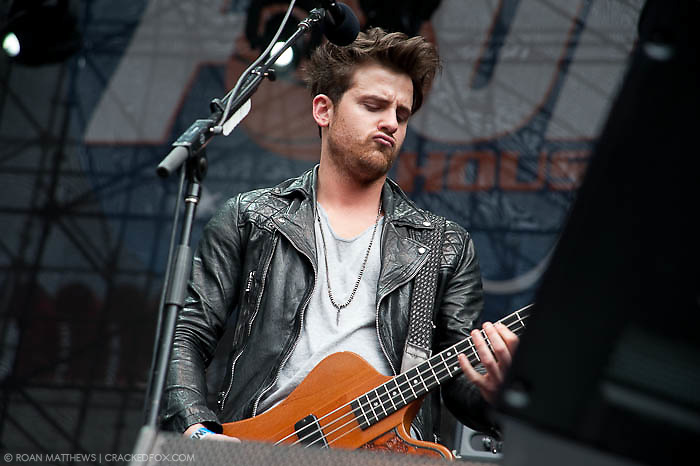 Kings of Leon bass Jared Followill does his best Elvis impression at Discovery Green - Final Four Tour