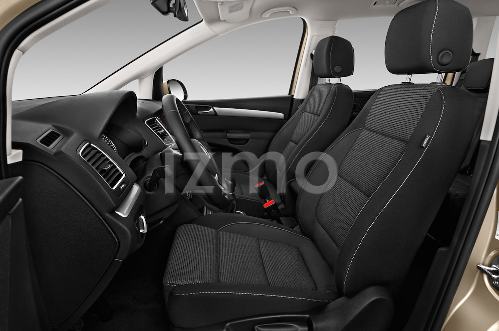 Front seat view of 2016 Volkswagen Sharan Confortline 5 Door Minivan Front Seat car photos