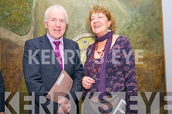 Minister Jimmy Deenihan with artist Maria Simonds-Gooding at the opening of Maria's exhibition Ceiliu?radh Mhaire Mhaith at the Ionad an Bhlascaoid Mho?r, Du?n Chaoin, on Monday evening.