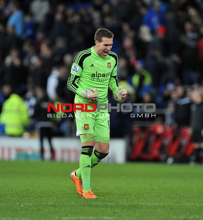 West Ham United&rsquo;s Adrain celebrates the teams goal. -  11/01/2014 - SPORT - FOOTBALL - Cardiff City Stadium - Cardiff - Cardiff City v West Ham United - Barclays Premier League<br /> Foto nph / Meredith<br /> <br /> ***** OUT OF UK *****