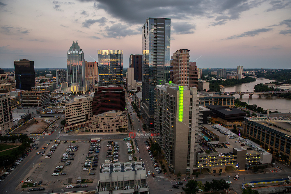 The growth of Austin's skyline is skyrocketing at a break-neck pace. Austin's downtown development is accelerating. You can hardly go anywhere right now in Austin's central business district without being surrounded by cranes and construction activity.