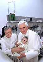 Pope Benedict XVI Visita al Caritas Baby Hospital di Bethlehem.13-05-2009 -