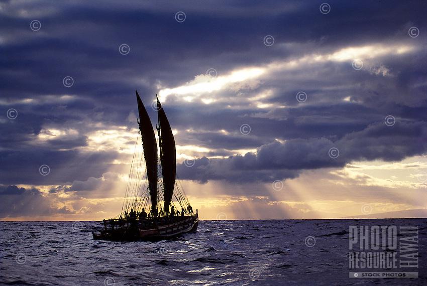 Polynesian voyaging canoe Hawai'iloa, Moloka'i Channel.
