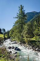 Austria, Tyrol, Pitztal Valley, near St Leonhard: river Pitze (also named Pitzbach) flows through the Pitztal valley and ends in river Inn | Oesterreich, Tirol, Pitztal, bei St. Leonhard: die Pitze oder auch Pitzbach genannt fliesst durch das Pitztal und muendet spaeter in den Inn
