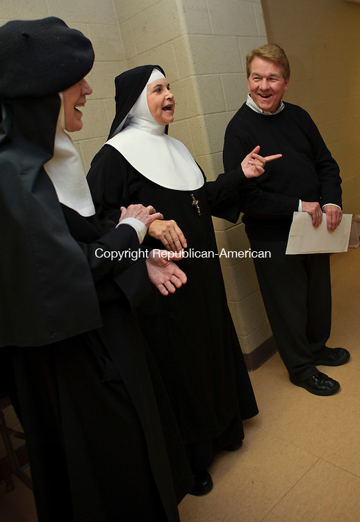 "WATERBURY, CT - 8 November 2012-110812EC08--    Actress Cindy Williams shares a laugh backstage at the Palace Theater Thursday night with Mother Dolores Hart and ""Nunsense"" creator Danny Goggin.  Mother Hart is the famous nun who appeared in movies along Elvis before joining the Benedictine Monastery.  The musical comedy series ""Nunsense"" held a one night only performance in Waterbury.  The show featured actress Cindy Williams, most famous for her role in ""Laverne & Shirley.""  A portion of ticket proceeds benefited the Abbey of Regina Laudis New Horizons Fund.  Erin Covey Republican-American."