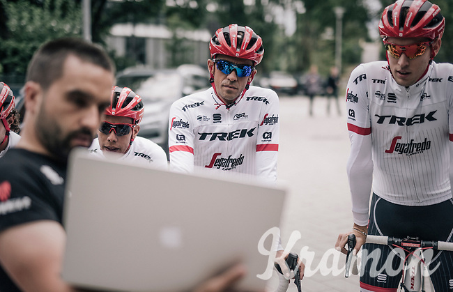 Alberto Contador (ESP/Trek-Segafredo) &amp; his Trek-Segafredo teammates preparing for a coffee/training-ride 1 day before the start of the 104th Tour de France 2017 <br /> &quot;Le Grand D&eacute;part&quot; in D&uuml;sseldorf/Germany