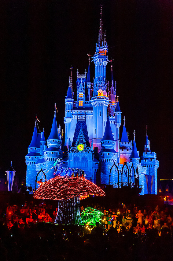 Alice In Wonderland Disney S Electrical Parade With