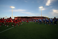 The teams perform traditional challenges before the 2017 Rugby League World Cup match between Toa Samoa and Mate Ma'a Tonga at the FMG Stadium in Hamilton, New Zealand on Saturday, 4 November 2017. Photo: Shane Wenzlick / POOL / lintottphoto.co.nz