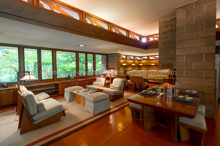 Frank lloyd wright house sammamish washington seattle for Affordable furniture seattle