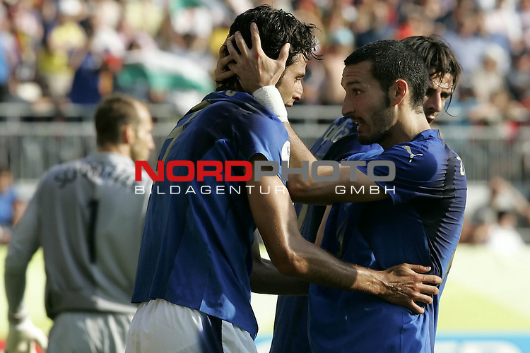 FIFA WM 2006 -  Round of Sixteen - / Viertelfinale <br /> Play      #53 (26-Jun) - Italien - Australien<br /> <br /> Jubel bei GROSSO Fabio und ZAMBROTTA Gianluca<br /> <br /> <br /> Foto &copy; nordphoto