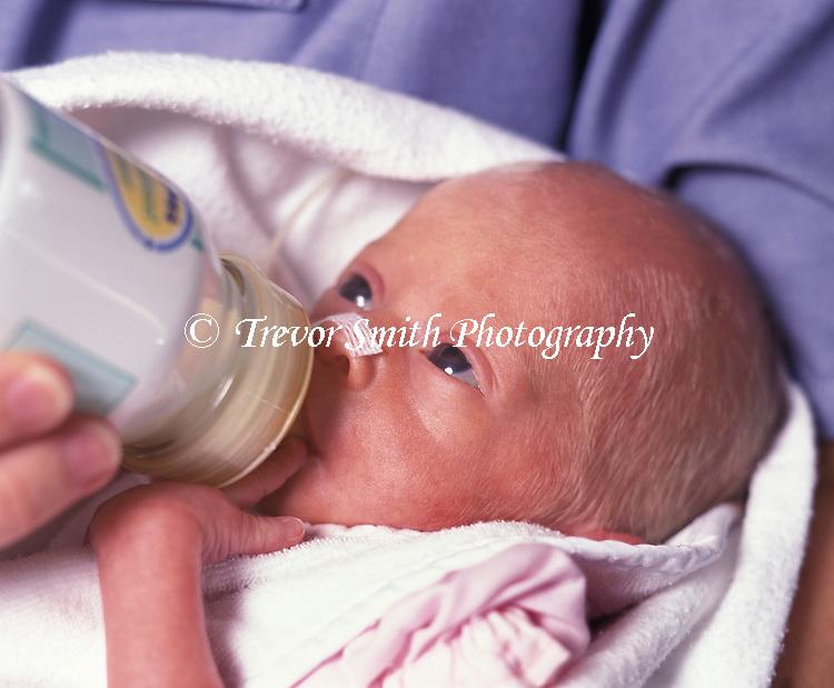 Bottle Feeding a Premature Baby