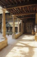 Europe/France/Aquitaine/24/Dordogne/Vallée de la Dordogne/Bergerac: Maison des Vins - Cloître des Récollets (construit entre le XIIème et le XVIIème)