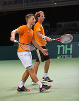 Switserland, Genève, September 16, 2015, Tennis,   Davis Cup, Switserland-Netherlands, Practise Dutch team, Tim van Rijthoven and Matwe Middelkoop (R)<br /> Photo: Tennisimages/Henk Koster