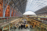 St Pancras International, beneath iron archways constructed by engineer William Barlow in 1868, railways' terminus celebrated for its Victorian architecture, London, UK. Picture by Manuel Cohen