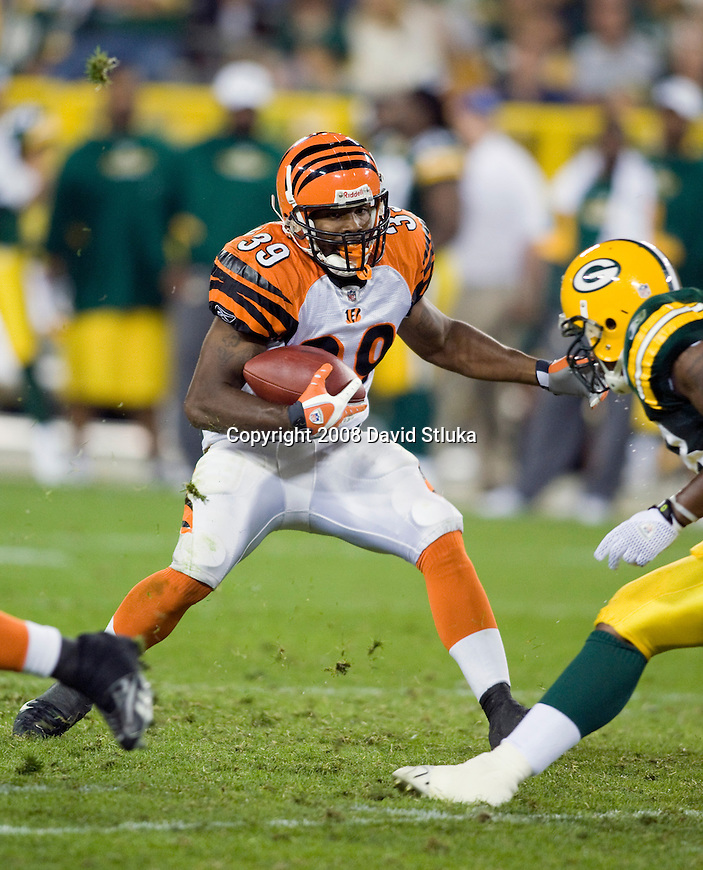 Running back James Johnson #39 of the Cincinnati Bengals carries the ball against the Green Bay Packers at Lambeau Field on August 11, 2008 in Green Bay, Wisconsin. The Bengals beat the Packers 20-17. (AP Photo/David Stluka)