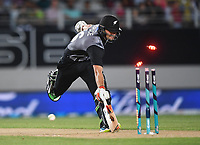 Tom Bruce is run out by a direct hit from Haris Sohail.<br /> Pakistan tour of New Zealand. T20 Series.2nd Twenty20 international cricket match, Eden Park, Auckland, New Zealand. Thursday 25 January 2018. &copy; Copyright Photo: Andrew Cornaga / www.Photosport.nz
