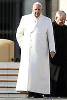 Papa Francesco lascia il sagrato al termine dell'udienza generale del mercoledi' in Piazza San Pietro, Citta' del Vaticano, 30 dicembre 2015.<br /> Pope Francis leaves at the end of his weekly general audience in St. Peter's Square at the Vatican, 30 December 2015.<br /> UPDATE IMAGES PRESS/Isabella Bonotto<br /> <br /> STRICTLY ONLY FOR EDITORIAL USE